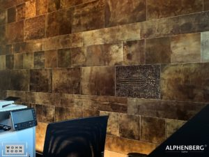 wandverkleidung_leder_tundra_clay_alphenberg_wohn-room