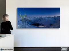 wandverkleidung_schallsauger_akustik_lightboxx_arosa_by_night_20251001_wohn-room