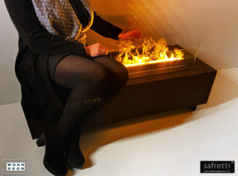 wandverkleidung_wohnkamine_mistero_500_plus_lowboard_110_safretti_magic-fire_wohn-room